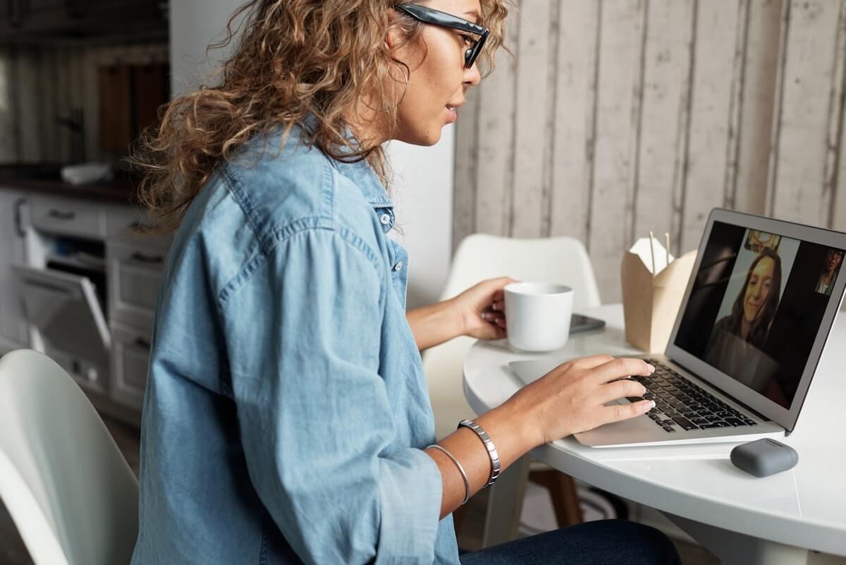 woman-in-blue-denim-jacket-using-macbook-pro-4099099 2