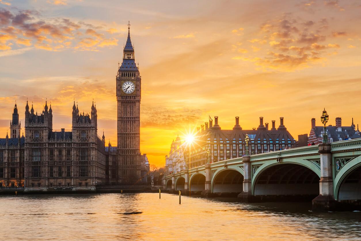 Westminster Bridge and Big Ben at sunset